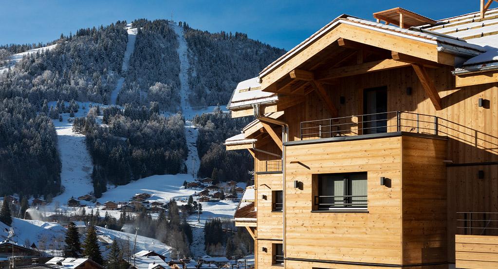 St-Alban Hotel & Spa - Façade avec vue pistes (jour)